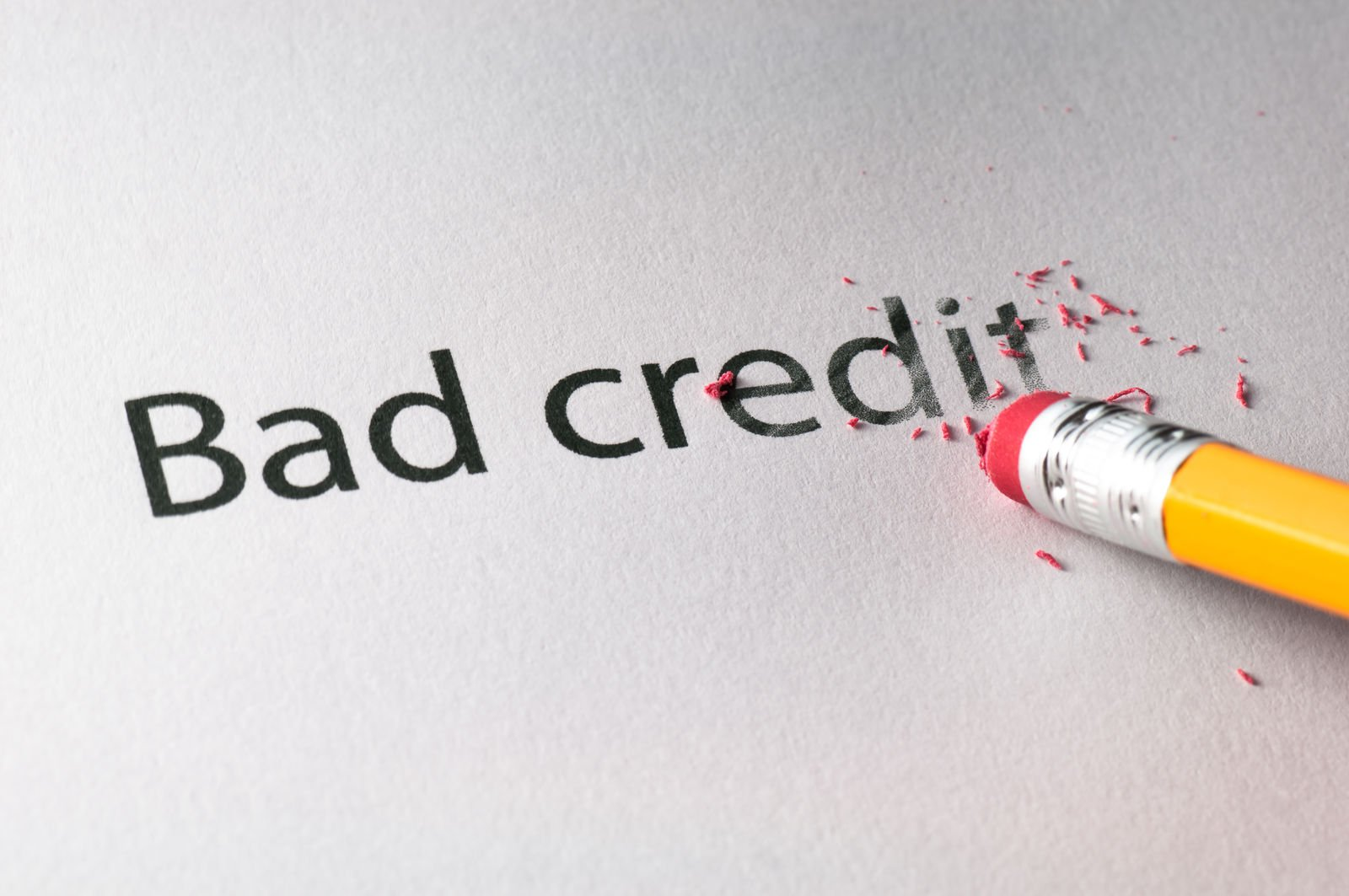 Will paying for car insurance build my credit?